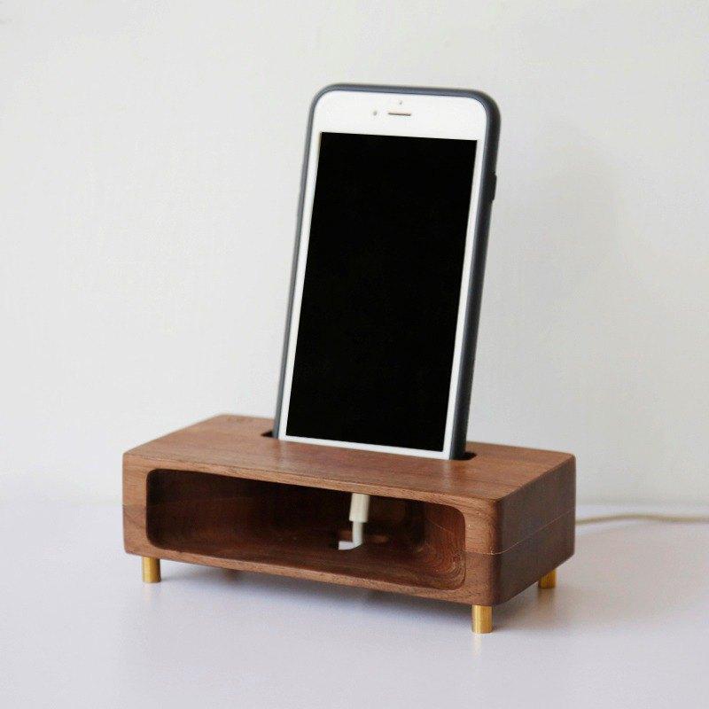 木質手機擴音座(胡桃) ─ 居家辦公小物  送禮包裝 加購刻字