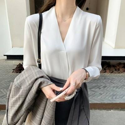 レディース とろみ生地スキッパーシャツ トップス シャツ ブラウス 白シャツ 白トップス 長袖 Vネック 大人可愛い きれいめ 上品 かっこいい 大人女子 こなれ感