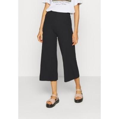 エブンアンドオッド レディース カジュアルパンツ ボトムス Wide Cropped Pants - Trousers - black black