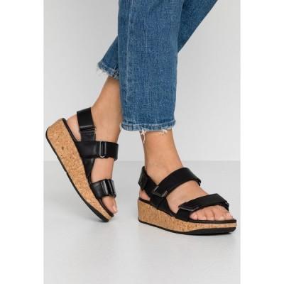 フィットフロップ サンダル レディース シューズ REMI - Platform sandals - all black