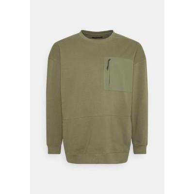メンズ ファッション UTILITY CREW NECK - Sweatshirt - army
