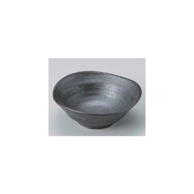 和食器 / 小鉢 大 イブシ黒三ツ山4.0深鉢 寸法:12.9 x 4.5cm