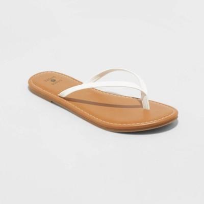 シェード&ショア Shade & Shore レディース ビーチサンダル シューズ・靴 Ava Skinny Strap Flip Flop Sandals - Shade and Shore White