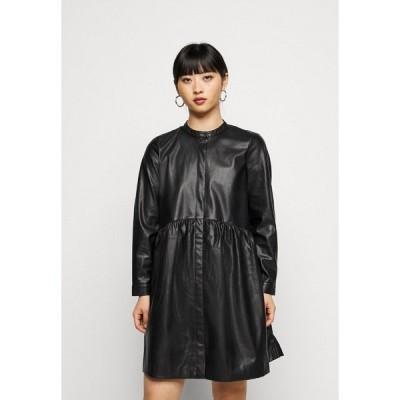 オンリー プティ ワンピース レディース トップス ONLCHICAGO DRESS - Day dress - black