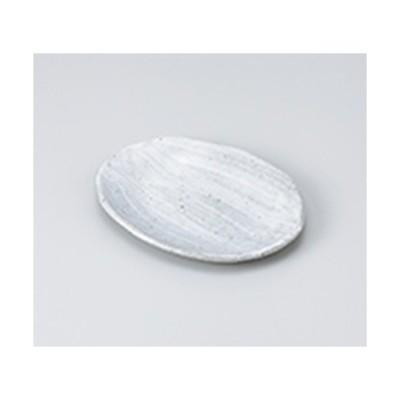 和皿 和食器 / 粉引青釉楕円取皿 寸法:16 x 13 x 1.8cm