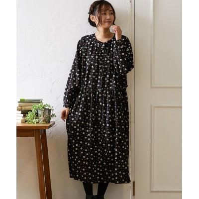 ぱっと目をひく花柄ワンピース (ワンピース)Dress