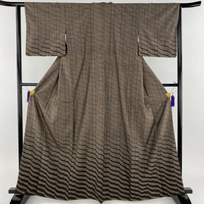 紬 美品 秀品 縦縞 幾何学模様 焦茶色 袷 身丈164cm 裄丈63cm S 正絹 中古 PK50