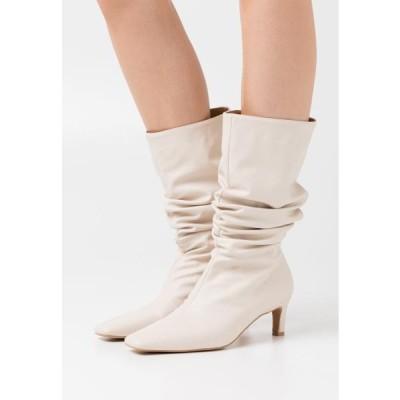 エヌエーケイディー レディース ブーツ LOOSE EXTENDED SQUARED TOE BOOTS - Boots - natural