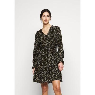 オンリー トール ワンピース レディース トップス ONLJESS SHORT DRESS - Day dress - black/yellow