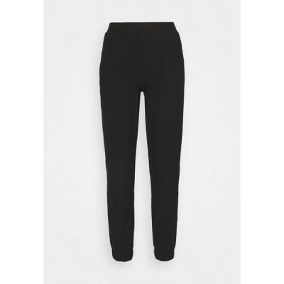 オンリー プティ カジュアルパンツ レディース ボトムス ONLNELLA PANTS - Tracksuit bottoms - black