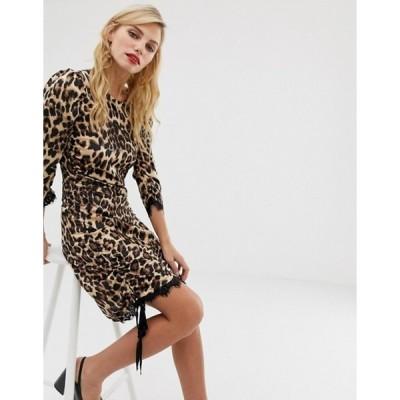 リクオリッシュ レディース ワンピース トップス Liquorish shift dress in satin leopard print with lace trim and ruched side