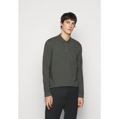 フューゴ カットソー メンズ トップス DONOL - Polo shirt - medium grey