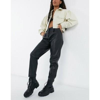 ニュールック レディース カジュアルパンツ ボトムス New Look leather look tapered pants in black Black