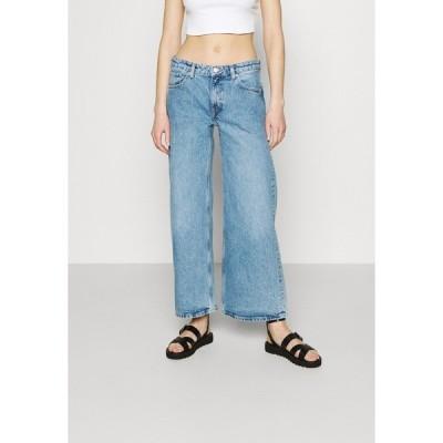 ウィークデイ デニムパンツ レディース ボトムス RAY LOW - Flared Jeans - hanson blue