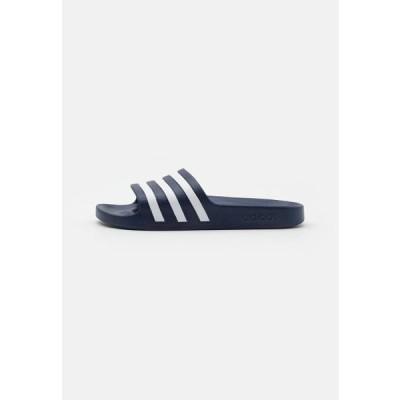 アディダス メンズ スポーツ用品 ADILETTE AQUA UNISEX - Pool slides - dark blue/footwear white