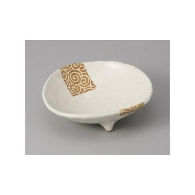 小鉢 うず唐草三つ足小鉢 和食器 業務用 美濃焼 9a71-18-34g