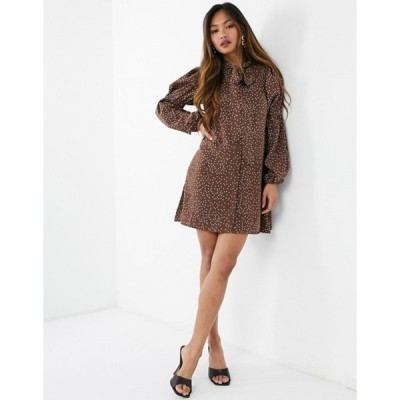 ファッションモンキー レディース ワンピース トップス Fashion Union mini smock dress with pussy bow and tiered sleeves in brown dots