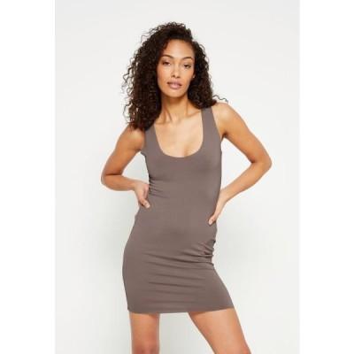 ミスガイデッド レディース ファッション RAW EDGE SLINKY RACER MINI DRESS - Day dress - nude brown
