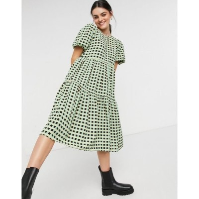 グラマラス レディース ワンピース トップス Glamorous midi smock dress with tiered skirt in check Green black