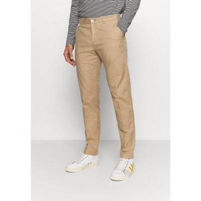 トミー ヒルフィガー カジュアルパンツ メンズ ボトムス FLEX CONTRAST DETAIL SLIM PANT - Trousers - beige