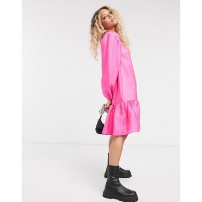 ヴィラ レディース ワンピース トップス Vila drop hem smock dress in pink