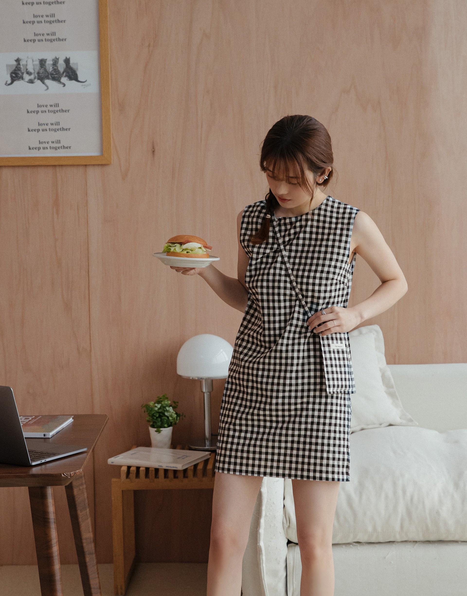 BUTTER 奶油輕旅行格紋洋裝(附小包包)-PAZZO