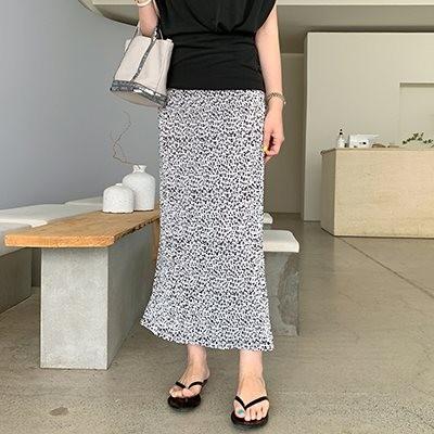 [COCOBLACK] 着ていないようなすっきりとしたプリーツスカートホッピーパターンでおしゃれに!