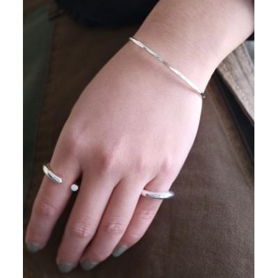 バングル 【aussi/オッスィー】Hand made brass slender beat バングル(ニッケルフリー)