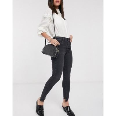 トップショップ レディース デニムパンツ ボトムス Topshop Jamie jagged hem skinny jeans in washed black