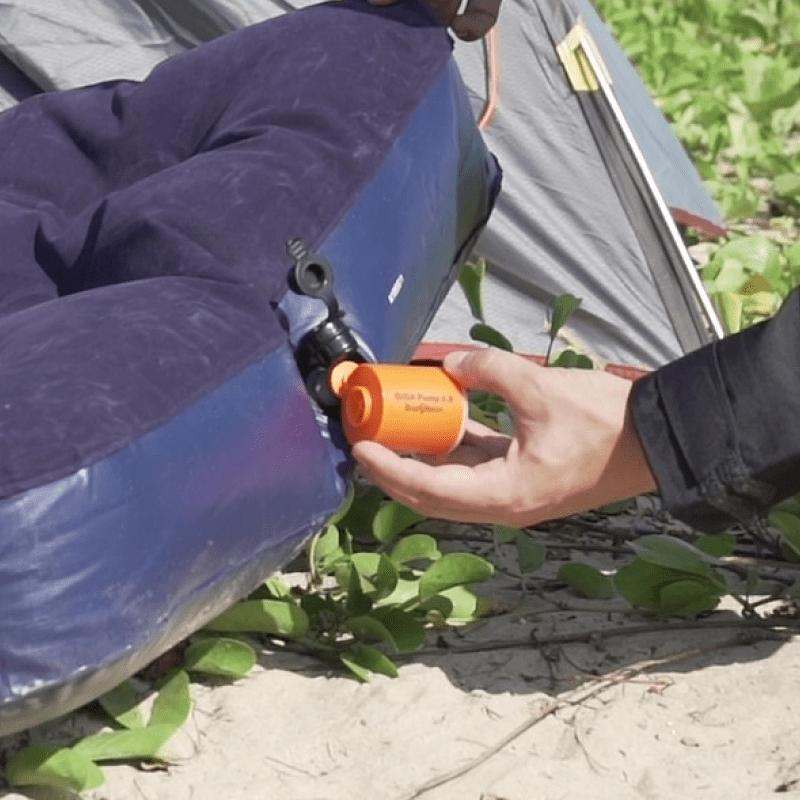 口袋裡的充氣幫浦|充氣+真空抽氣+照明三合一,戶外冒險,居家收納都實用! 【熱銷加碼】三合一迷你充氣幫浦 - 1 入