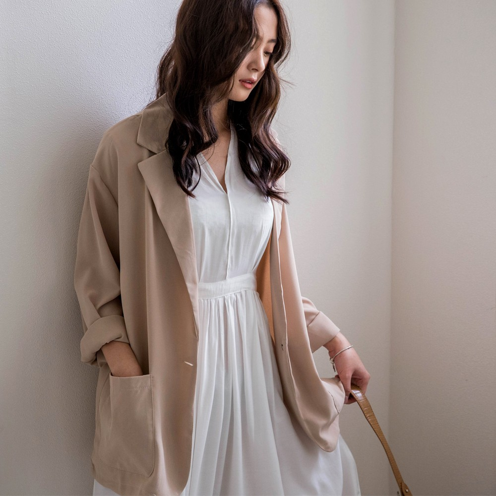 MIUSTAR 涼夏材質 單釦雙口袋雪紡西裝外套(共4色)外套 0511 預購【NJ1270】