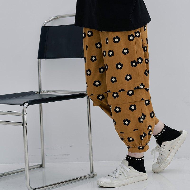 黑色花花束口褲 / 休閒褲 棉褲