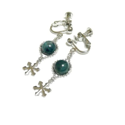 【白雪姫】アパタイト(8mm丸珠)と雪の結晶のイヤリング