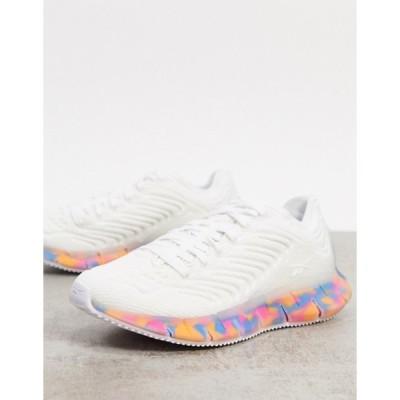 リーボック レディース スニーカー シューズ Reebok Running Zig Kinetica sneakers in white with contrast sole