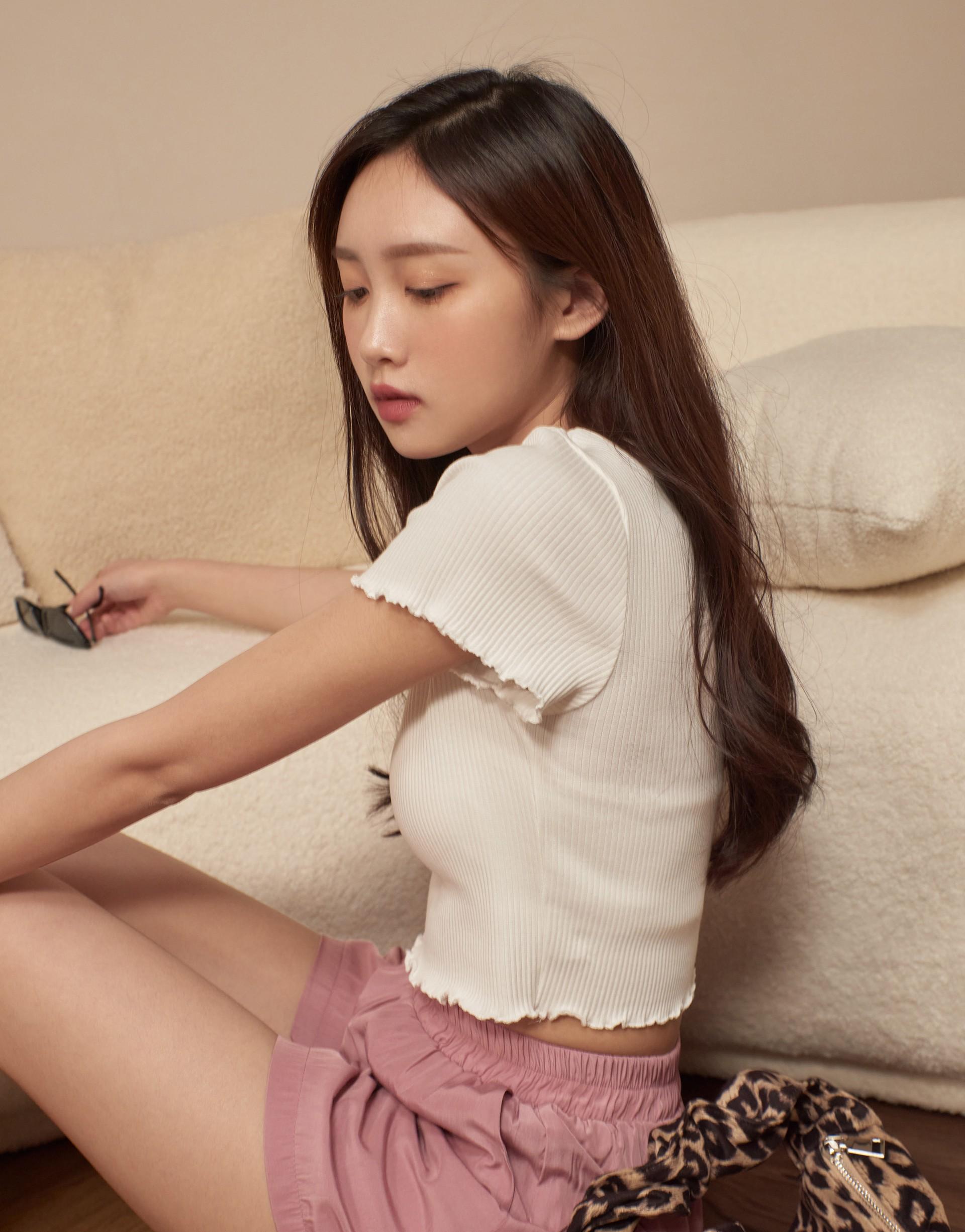 MIT Dailywear圓領羅紋捲捲邊短版上衣-PAZZO