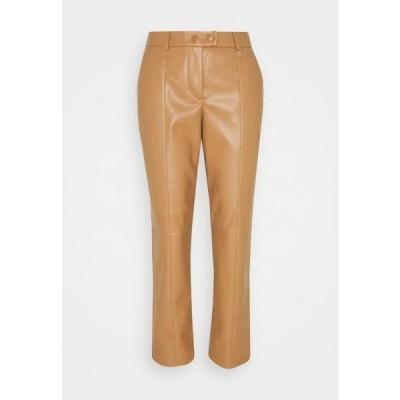 カンマ レディース ファッション Trousers - camel