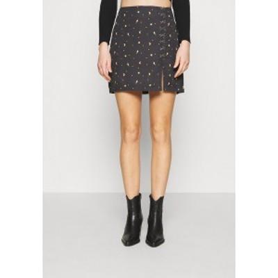 ミルクイット レディース スカート ボトムス MYSTICAL SKIRT THIGH SPLIT & HOOK & EYE DETAILING  - Mini skirt - black black