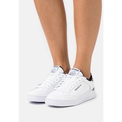 リーボック スニーカー レディース シューズ AD COURT - Trainers - footwear white/core black