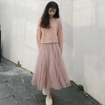 冬の新商品のゆったりとした丸首の菱形ニットセーターハイウエストの中に長い星のレースのスカートの2点セットの女性