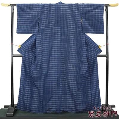 中古  格子柄のすっきりとした紬 リサイクル 正絹 カジュアル レディース ネイビー 裄67cm 仕立上がり  大きいサイズ あすつく対応