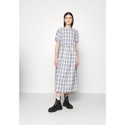 ミスガイデッド レディース ワンピース トップス PUFF SMOCK MIDI DRESS CHECK - Maxi dress - white white