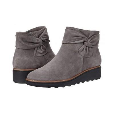 Clarks クラークス レディース 女性用 シューズ 靴 ブーツ アンクル ショートブーツ Sharon Salon - Grey Suede/Dark Tan Welt