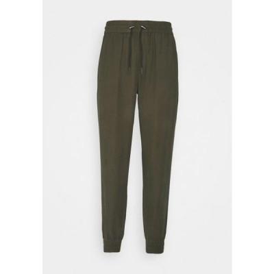 レディース ファッション ONLKELDA EMERY PULL UP PANTS - Tracksuit bottoms - grape leaf
