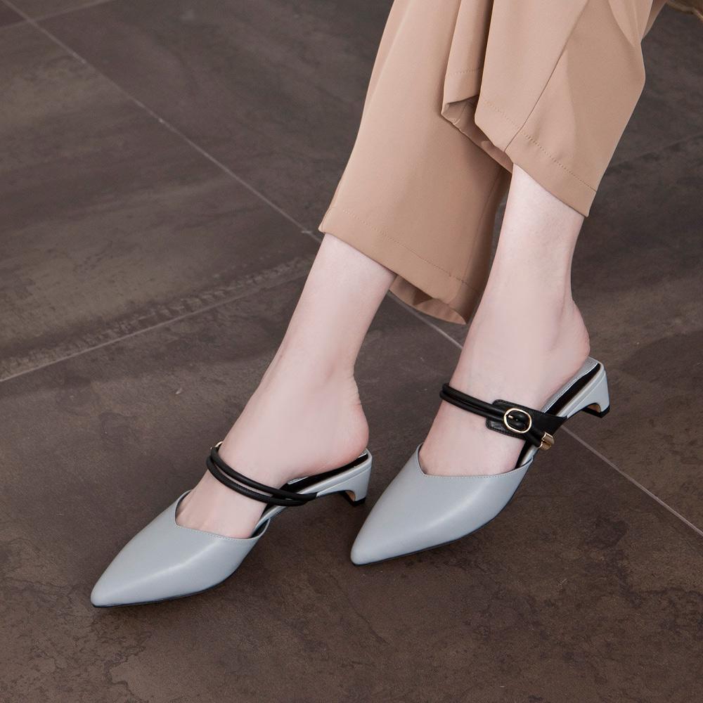 【立即結帳現折$200】優雅小姐 尖頭金屬釦一字低跟穆勒鞋  灰 (422418)