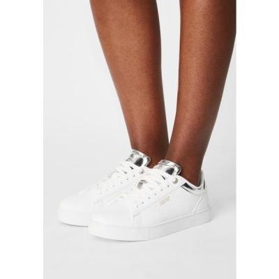 ベネトン レディース 靴 シューズ STARCOURT LTX - Trainers - white/silver