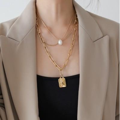 チョーカー 欧米のファッションの3階の真珠者牌女底のネックレスセーター鎖ワゴン贩売の赤い小衆博主色がないXN-M60