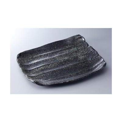 黒唐津結晶そぎ型盛皿