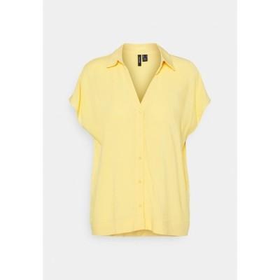 ヴェロモーダ シャツ レディース トップス VMFELICITY - Button-down blouse - cornsilk