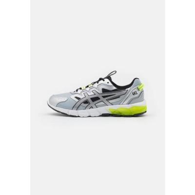アシックス メンズ スポーツ用品 GEL-QUANTUM 90 - Neutral running shoes - pure silver/black