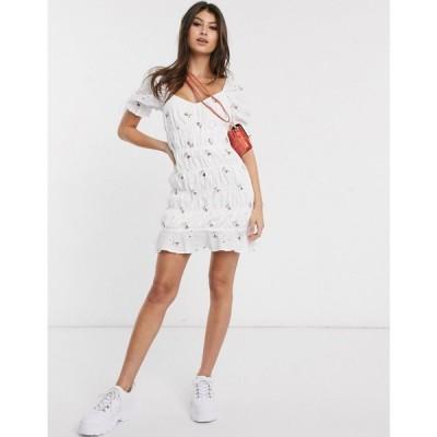 ミスガイデッド Missguided レディース ワンピース ミニ丈 ワンピース・ドレス ruched mini dress in white ditsy floral ホワイト